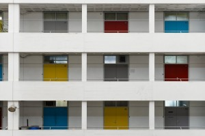 apartment-building-918409_640